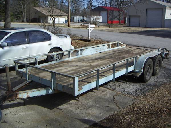 18 ft. flatbed trailer with ramps (3 mi N. of Springfield) $1050