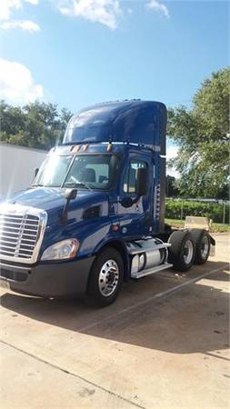 2014 Freightliner Cascadia Day Cab with Warranty!