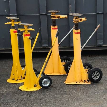 Semi trailer jacks $125