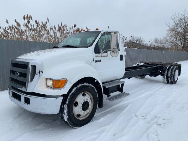 2005 Ford F-650 Cab and Chassis